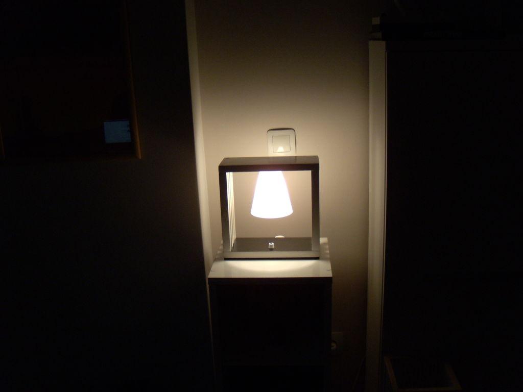 Настольный светильник своими руками в темноте
