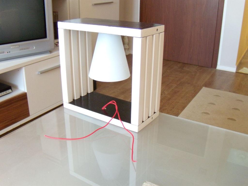 Сборка настольного светильника