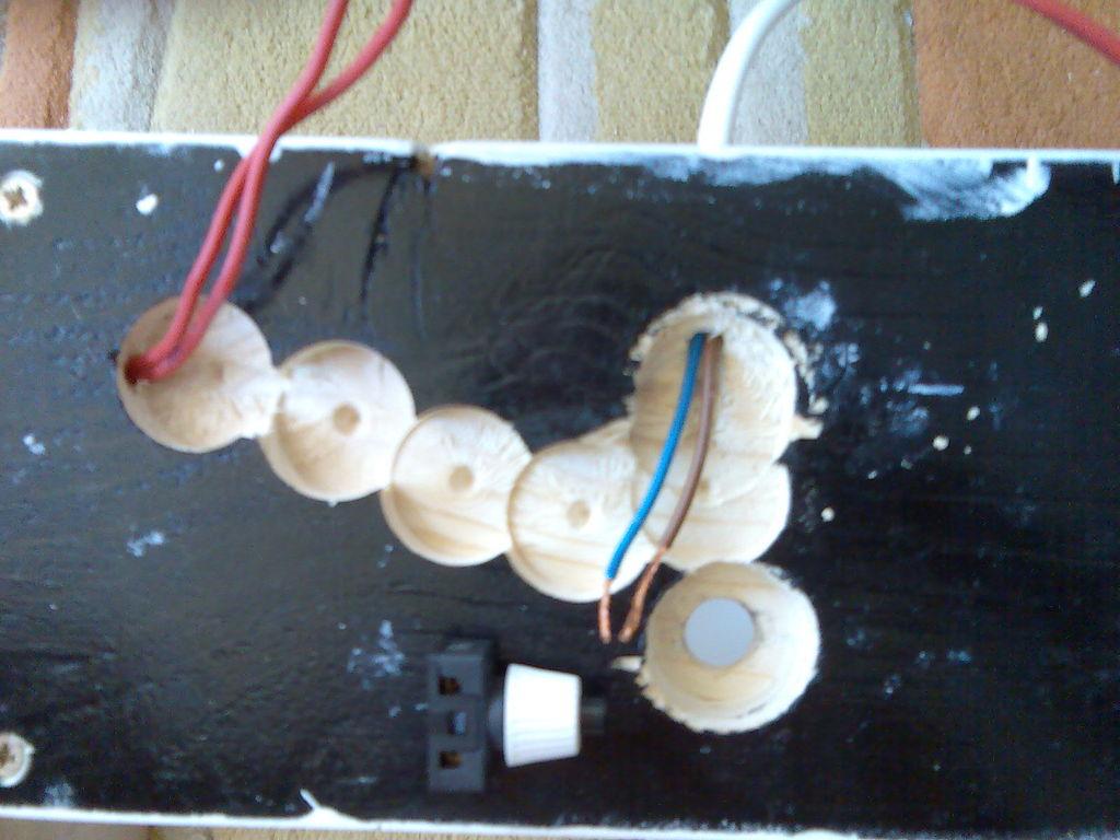 Монтаж выключателя настольного светильника