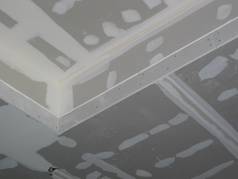 Гипсокартонный потолок после шпаклевки