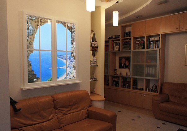 Фальш-окно в прихожей