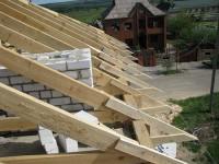 Как сделать обрешетку крыши - правила возведения стропильной системы