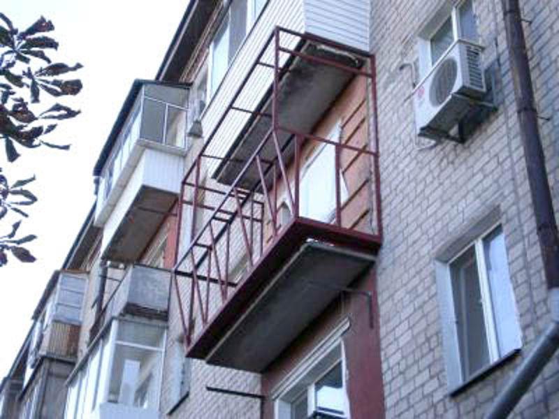 Монтаж каркаса балкона