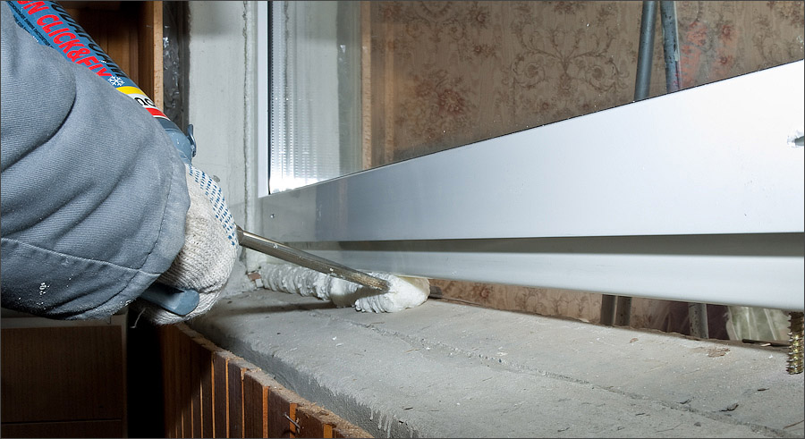 Герметизация рамы пластикового окна