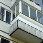 balkon-s-vynosom-svoimi-rukami