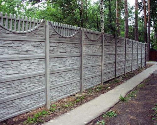 Фактурный бетонный забор