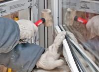 Как вставить пластиковые окна