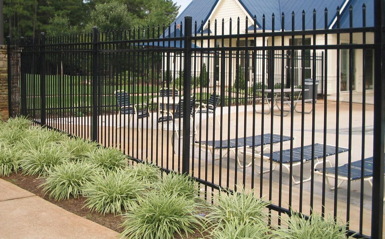 Бетонный забор своими руками фото