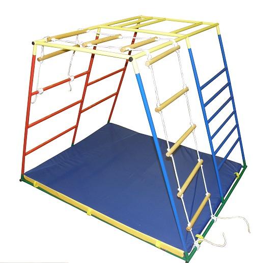 Игровой комплекс с веревочной лестницей