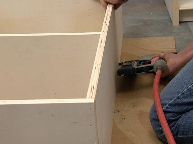 Сборка каркаса шкафа