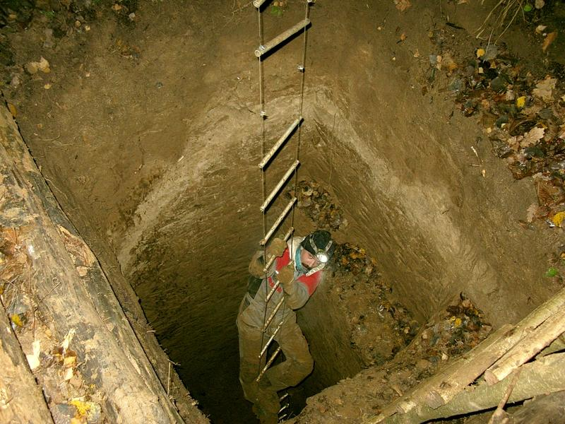 Веревочная лестница для спуска в колодец