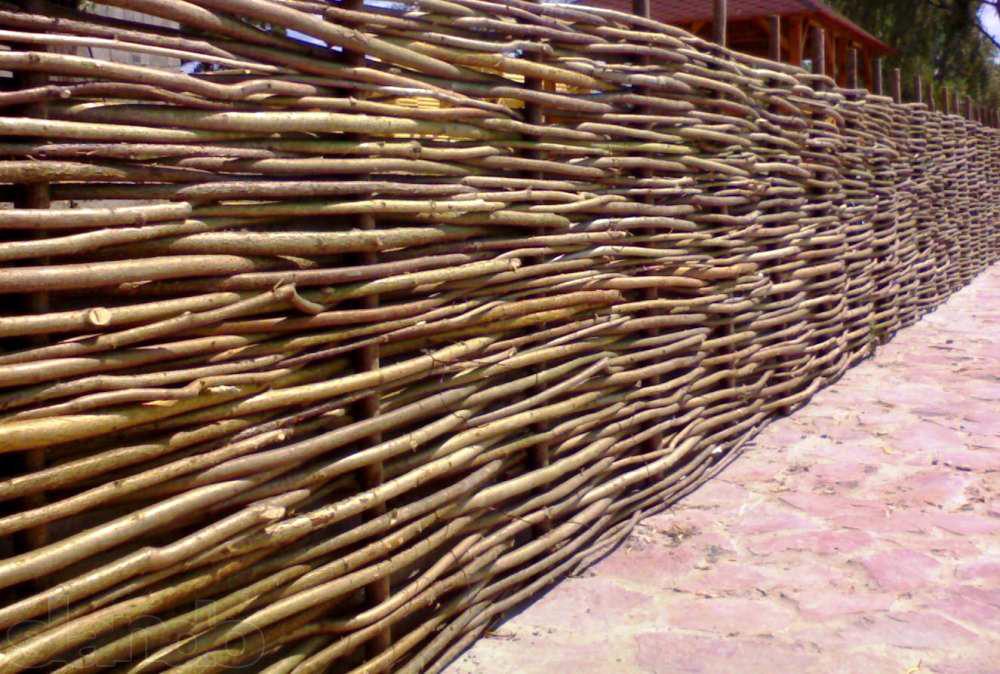 Деревянный забор типа «плетень»