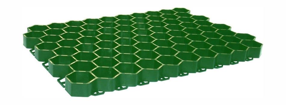 Зеленая пластиковая газонная решетка