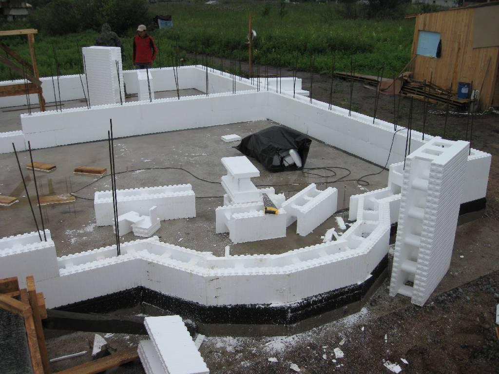 Нестандартная планировка дома из пенополистирольных блоков