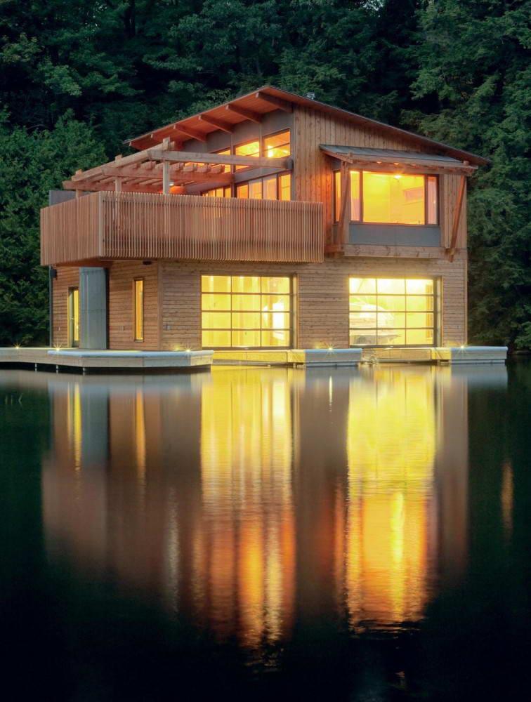 Плавучий дом на понтонах