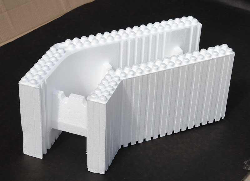 Угловой блок из пенополистирола