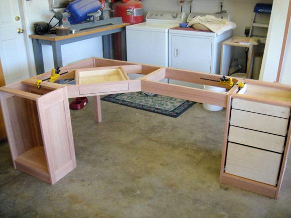 Собранный каркас стола