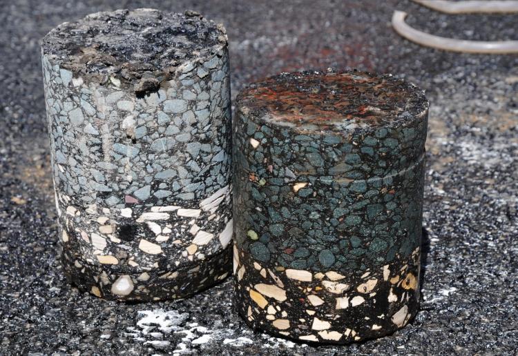 Устройство покрытия из асфальтобетонной смеси