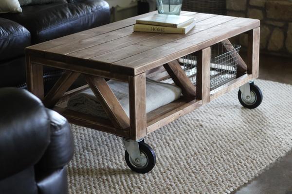 Деревянный кофейный столик своими руками на колесиках