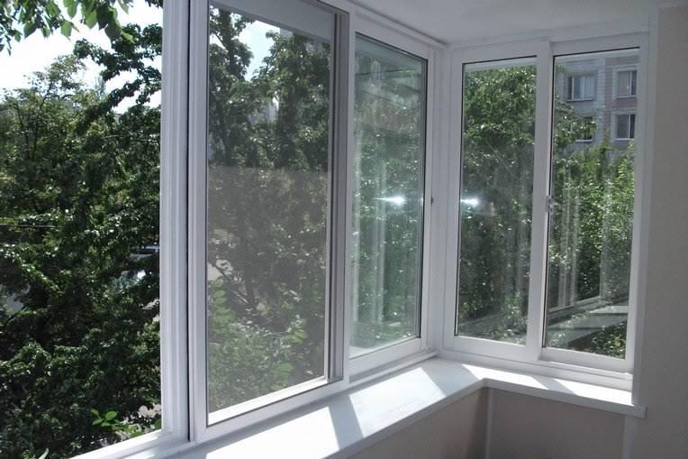 Балкон застекленный профилем slidors