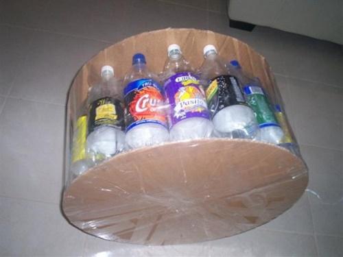 Каркас пуфика из пластиковых бутылок