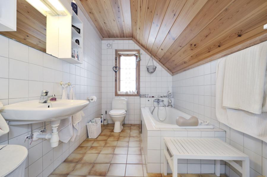 Оформление объединенной ванной и санузла