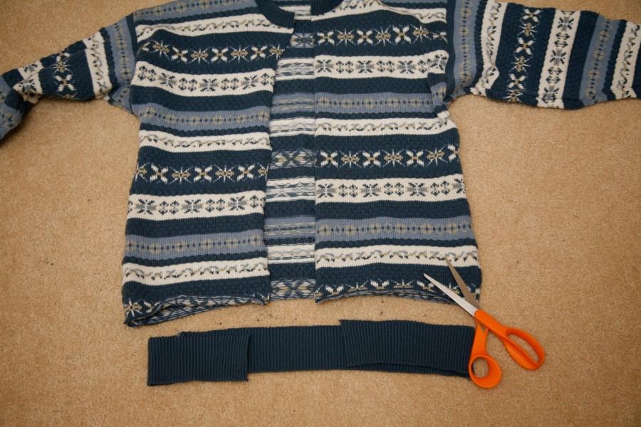 Пуфик из свитера