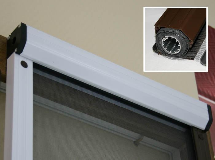 Рулонная противомоскитная сетка на дверь