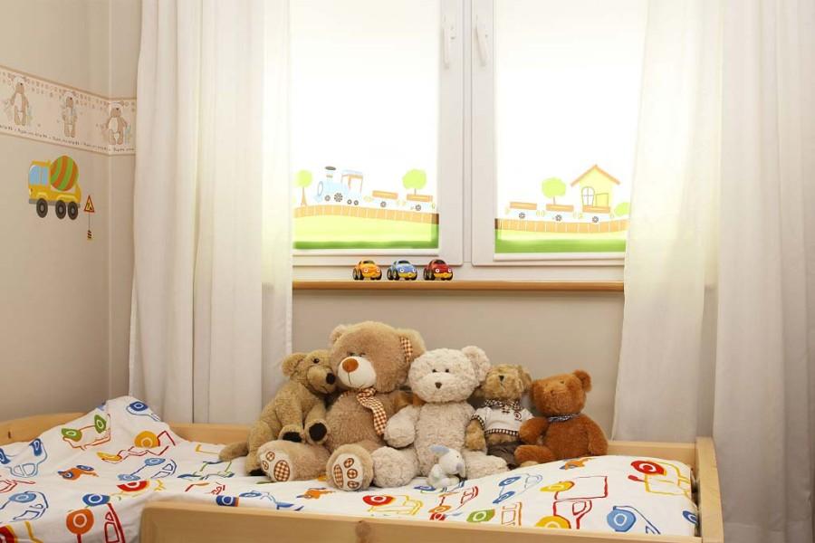 Нюансы оформления окна для детей
