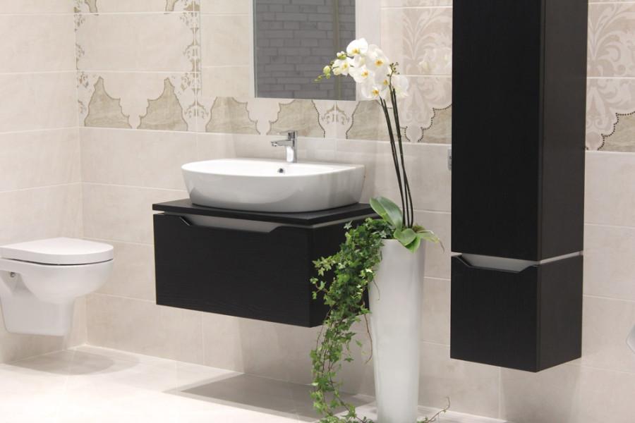 Отделка ванной комнаты керамической плиткой от компании Rovese