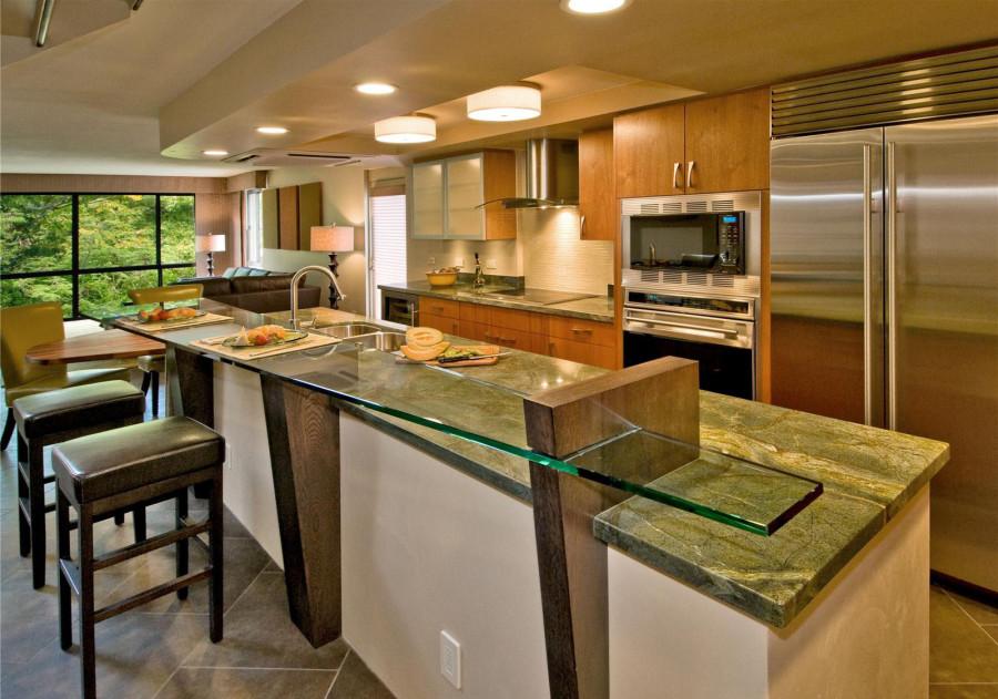 Стеклянная барная стойка в дизайне открытой кухни