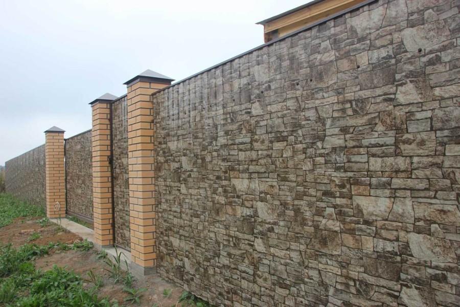 Забор из профлиста под камень