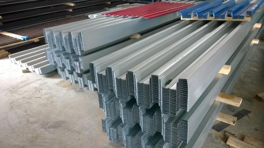 Хранение профилированных листов Н75 на производстве