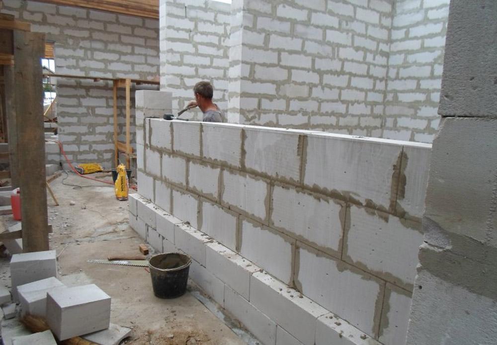 Строительство комнаты из пеноблоков своими руками 21