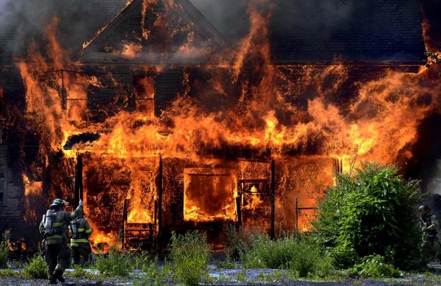 Воспламенение каркасного дома