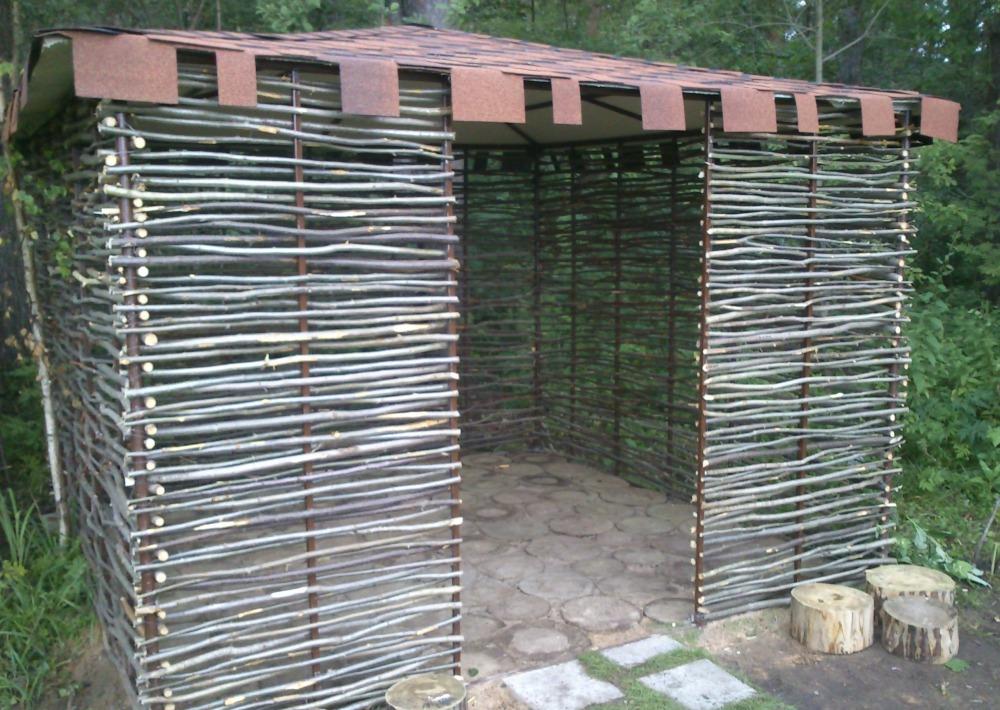 Забор на даче своими руками из подручных материалов