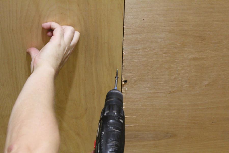 Крепление фанеры к деревянным балкам