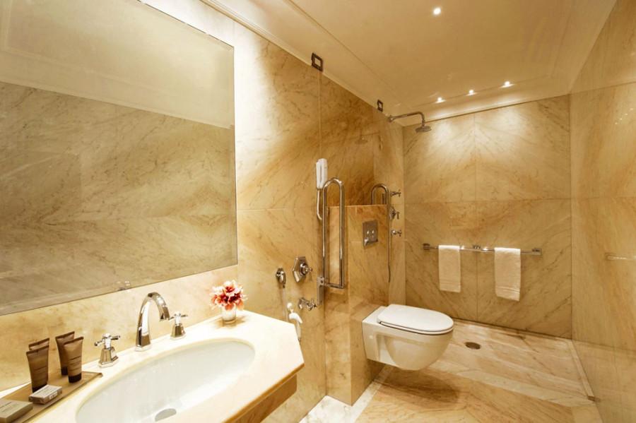 Отделка ванной комнаты мрамором фото