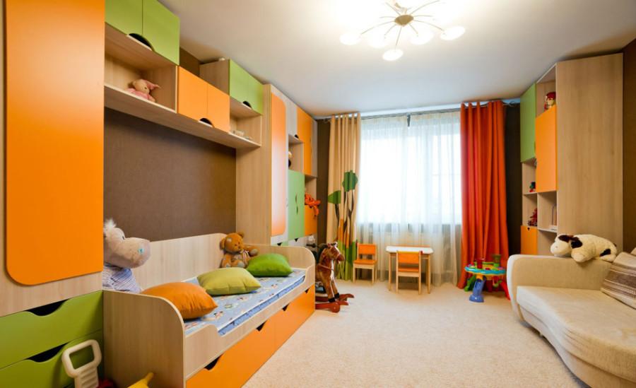 Детская со множеством мебели