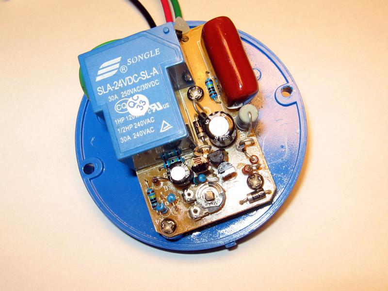 Фотодатчик в схеме управления освещением через фотореле LXP-03