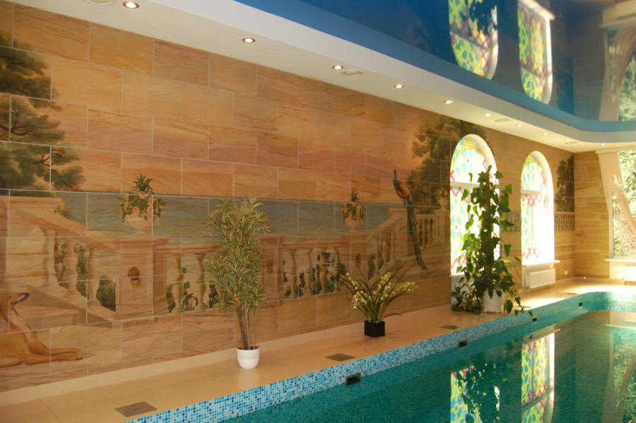 Стены бассейна отделанные гибким камнем
