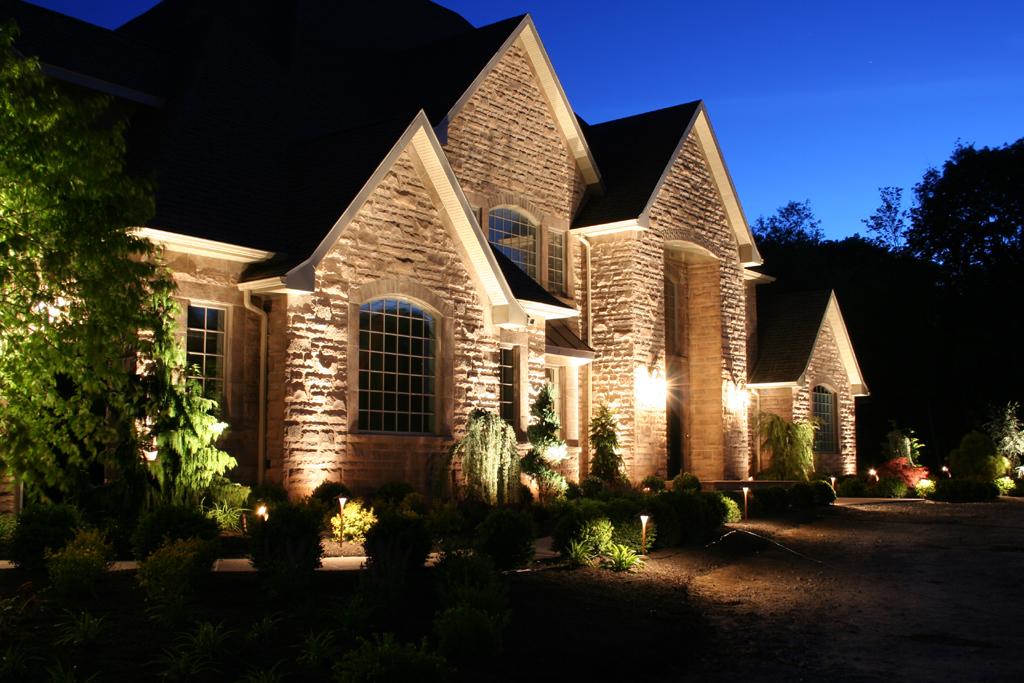 Подсветка дома фото