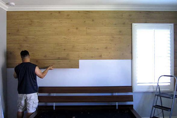 Внутренняя отделка стен ламинатом начинается от потолка