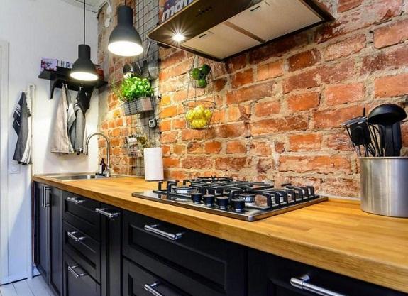 Кирпичный кухонный фартук
