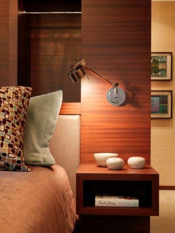 Лампа-бра с регулируемым положением