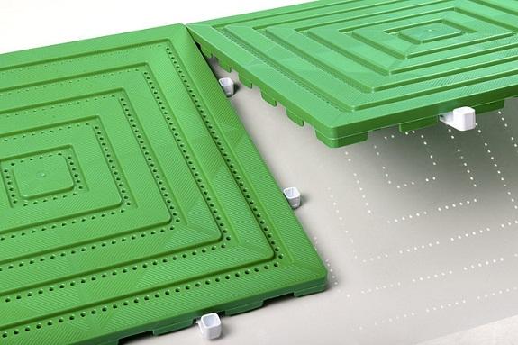 Пример скрепления пластиковых плиток