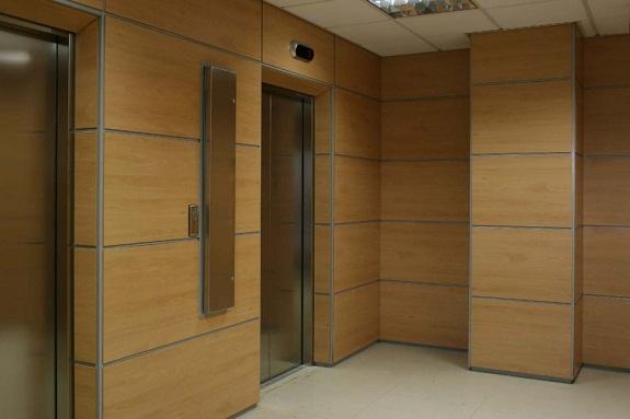 Стена, отделанная ДСП листами