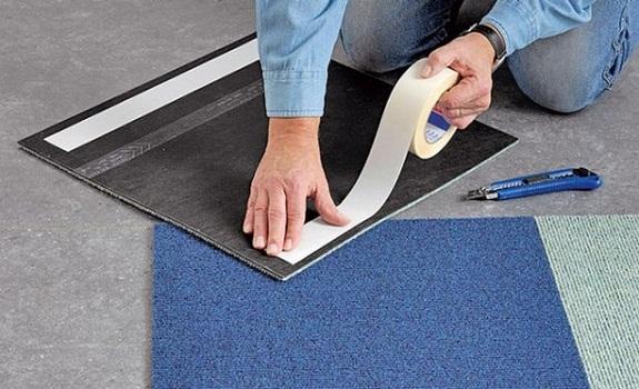 Монтаж ковровой плитки на клейкую ленту