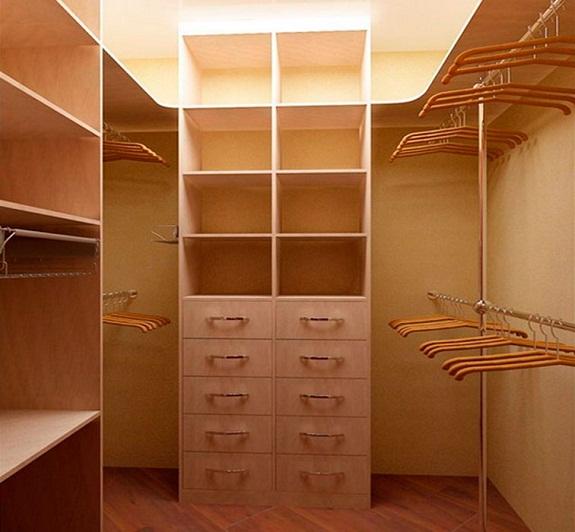 Стандартная гардеробная комната