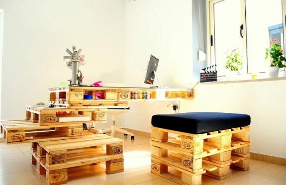 Существует множество вариантов мебели из паллет